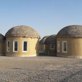 احداث منازل مسکونی کپری قلعه گنج کرمان